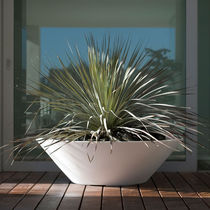 Polyethylene garden pot / conical