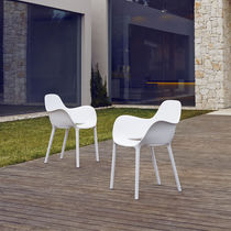Contemporary chair / polypropylene / stackable / with armrests