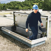 Rooftop access hatch / rectangular / with ladder / aluminum