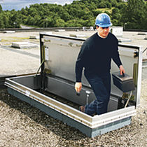 Rooftop hatch / rectangular / with ladder / aluminum