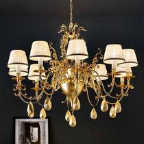 Classic chandelier / brass / silk / incandescent
