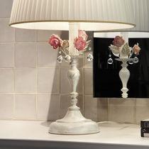 Table lamp / classic / ceramic / metal