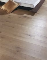 Engineered parquet flooring / oak / varnished