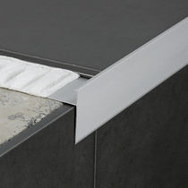 Aluminum edge trim / for tiles / straight