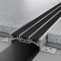 Aluminum expansion joint / for floors