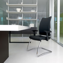 Contemporary visitor chair / mesh / leather / with armrests