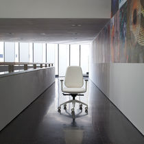 Fabric office armchair / aluminium / on casters / with armrests