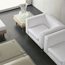 Contemporary visitor armchair / leather / with armrests