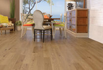 Engineered wood flooring / solid / nailed / glued