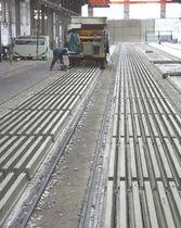 Prestressed concrete girder / for floors / precast