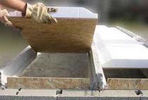 Insulating interjoist / with wooden underface / polystyrene