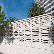 Precast concrete screen wall / garden