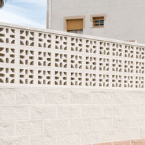 Concrete screen wall / garden / patio