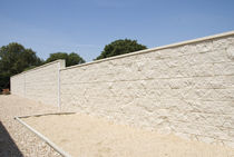 Hollow concrete block / for retaining walls / exposed