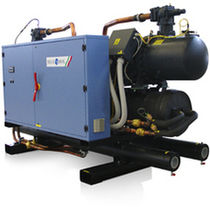 Water-cooled chiller / floor-mounted
