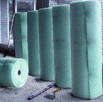 Roll resilient underlay / polyethylene