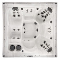 6 seater portable hot-tub 581 MAAX Spas