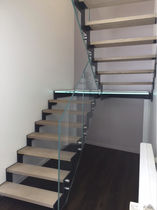 Half-turn staircase / wooden steps / glass steps / metal frame