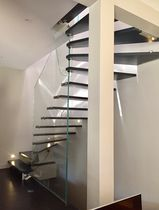 Half-turn staircase / oak steps / glass frame / without risers