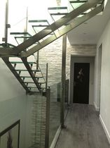 Quarter-turn staircase / half-turn / glass steps / stainless steel frame