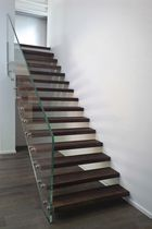 Straight staircase / oak steps / glass frame / without risers