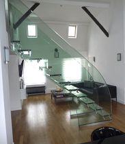 Straight staircase / glass steps / glass frame / without risers