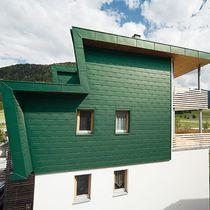 Aluminum shingle / for facade cladding