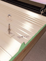 Stainless steel fastening system / roof