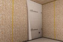 Polypropylene vapor barrier / wall