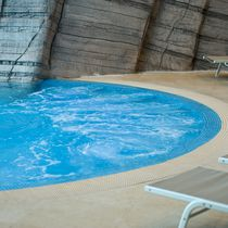 In-ground swimming pool / concrete / for wellness centers / outdoor