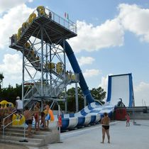Upright slide / for aquatic parks / rafting / high-speed