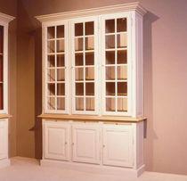 Traditional display case / oak