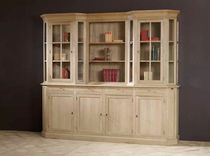 Traditional bookcase / oak