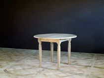 Traditional dining table / oak / extending