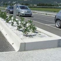Protection edge / sidewalk / concrete / linear