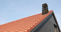 Interlocking roof tile