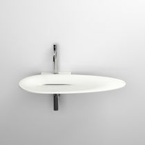 Wall-mounted washbasin / oval / Cristalplant® / contemporary