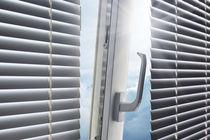 Venetian blinds / aluminum / blackout