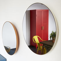Wall-mounted mirror / contemporary / round / steel