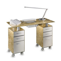 Manicure table