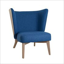 Contemporary armchair / fabric / oak / privacy