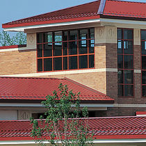 Metal roofing panel / standing seam