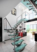 Straight staircase / quarter-turn / glass steps / metal frame