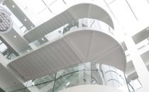 Half-turn staircase / glass steps / stainless steel frame / with risers