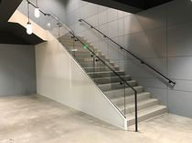 Quarter-turn staircase / concrete steps / steel frame / with risers