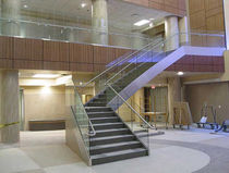Quarter-turn staircase / concrete steps / lateral stringer / for commercial buildings