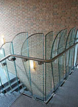 Stainless steel railing / glass panel / indoor / for stairs