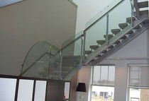 Half-turn staircase / concrete steps / metal frame / without risers