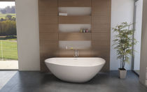 Free-standing bathtub / Solid Surface