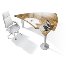 Executive desk / wood veneer / glass / HPL